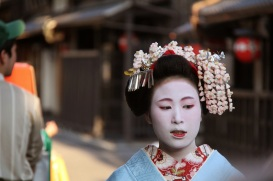 pale blue kimono on Maiko trainee geisha